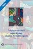 """Couverture de l'ouvrage """"Pratiques en arts visuels auprès de jeunes présentant des troubles cognitifs"""", illustrée par une œuvre d'un élève."""