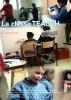 """Jaquette du film """"La classe Teacch"""" illustrée par trois photos d'élèves dans une classe"""